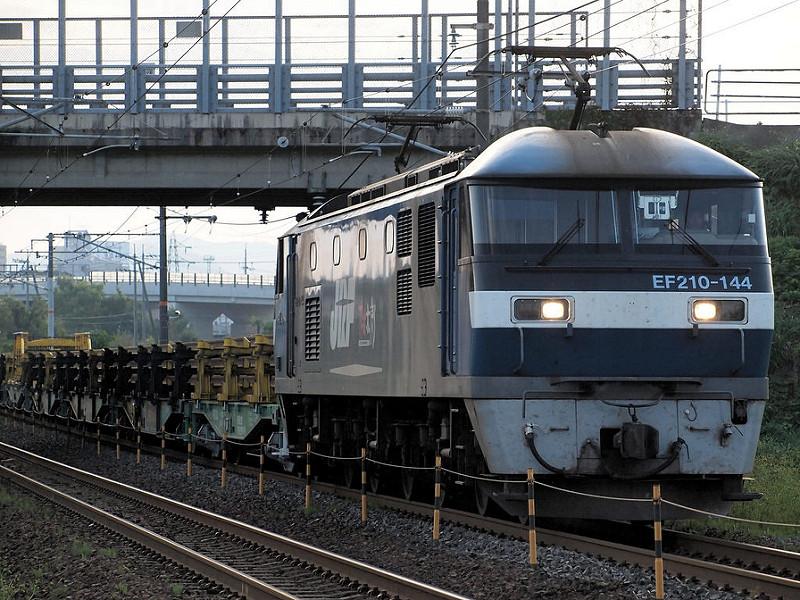 EF210-144